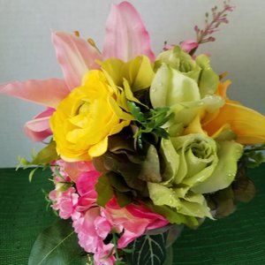 Lily , Ranunculus and Rose Bouquet